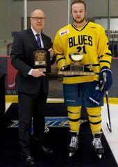 Dexter Kuczek receives Mike Ridley Trophy