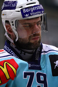 Riesen Michel-2011-01-15 EHCB vs Lakers