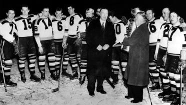 1939 Bruins w Cup