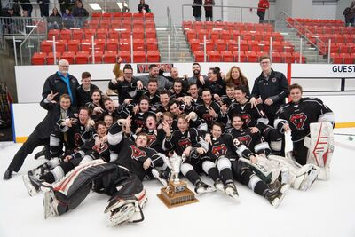2018 HJBHL champions Red Deer Vipers
