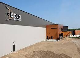 Bold Center Multiplex