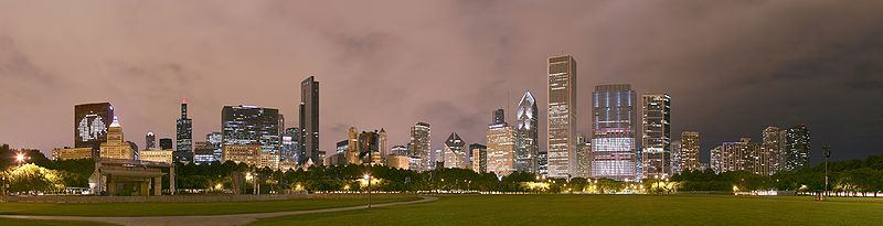 Chicago Grant Park night pano