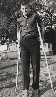 1967Aug-Orr on crutches