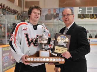 Tanner Jago receives Vince Leah Memorial Trophy