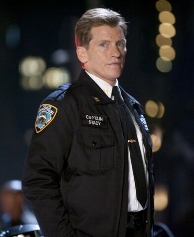File:George Stacy (Denis Leary).jpg