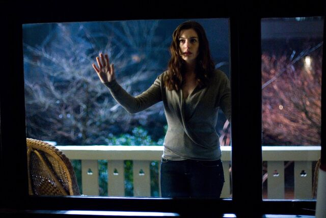 File:Felicia Hardy (Anne Hathaway).jpg