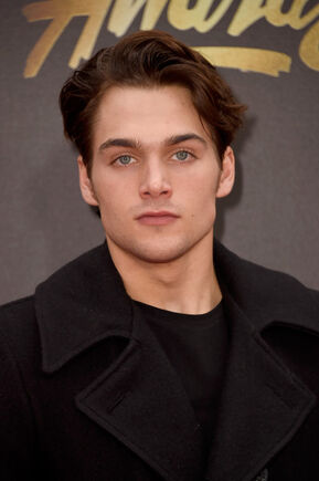 Dylan Sprayberry 2016 MTV Movie Awards Arrivals dyy 30sBw7 l