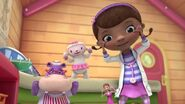 Doc-mcstuffins-its-glow-time-ful