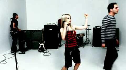 Avril Lavigne - He Wasn't