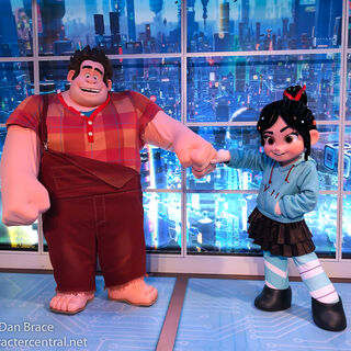 Ralph and Vanellope's off-ice welcome