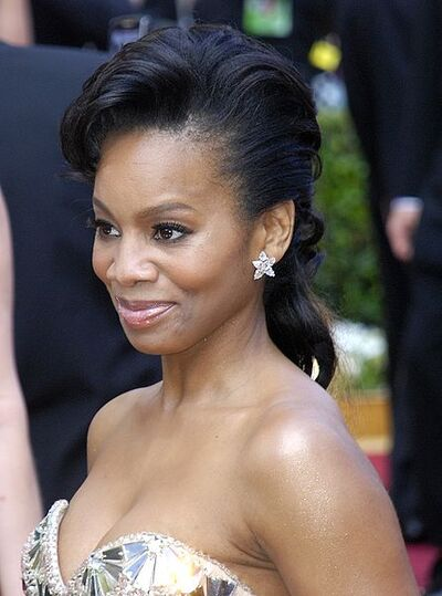The 445px-Anika Noni Rose at 2010 Oscars
