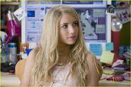 Emma-roberts-wild-child-15