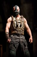 Tom-Hardy-as-Bane-in-The-Dark-Knight-Rises-HQ-bane-30728009-1065-1600