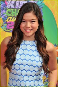 Piper-curda-every-witch-way-cast-kcas-2014-02