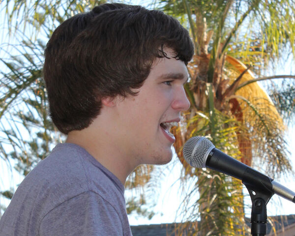 File:Peyton Singing (2).jpg