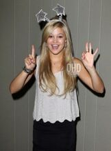 Olivia holt 2012 photo shoot picture 1