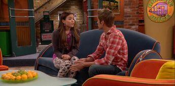 Jasmine almost reveals her love for Logan