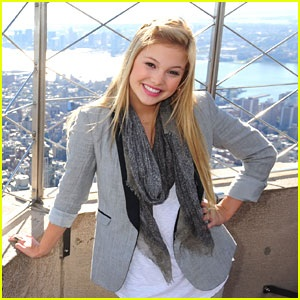 File:Olivia Holt in New York.jpg
