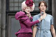 Effie i Katniss podczas dożynek. Igrzyska Śmierci