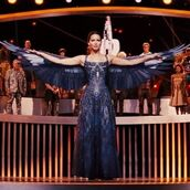 Katniss Everdeen jako Kosogłos. W Pierścieniu Ognia