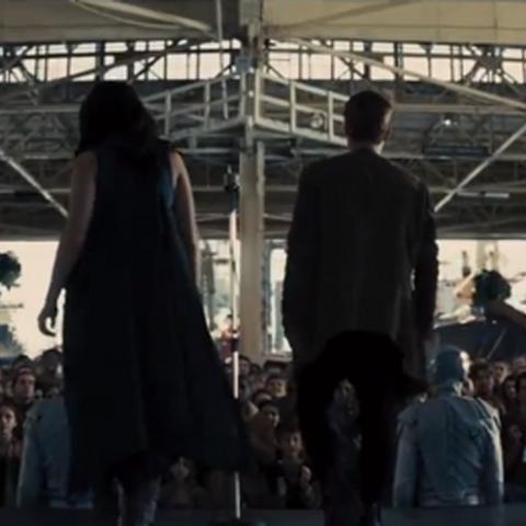 Katniss i Peeta w Dystrykcie 4 podczas Tournee.