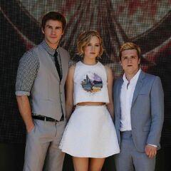 Jennifer, Liam i Josh