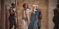 Daenerys and missandei 3x02