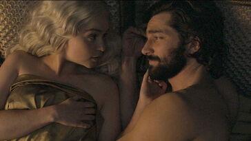 Daario e Daenerys a letto