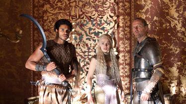 Jorah protegge Daenerys S2