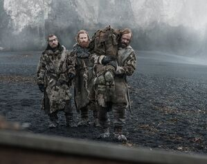 Beric e Tormund salutano il Mastino