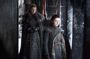 Arya e Sansa parlano
