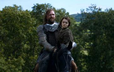 Arya e Sandor a cavallo