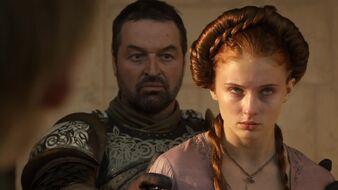 Sansa costretta a guardare