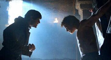 Ramsay tortura Theon