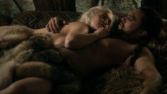 Daenerys and drogo 1x06