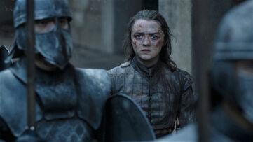 Arya ascolta Dany