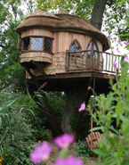 Blue-forest-treehouse-lg