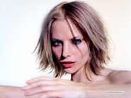 Sienna guillory1