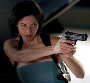 Sienna guillory4