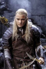 Legolas with Knives 1