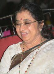 Usha Mangeshkar 2007 - still 19426 crop