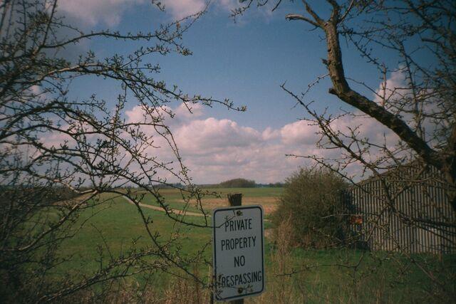 File:Heyford airfield 1.jpg