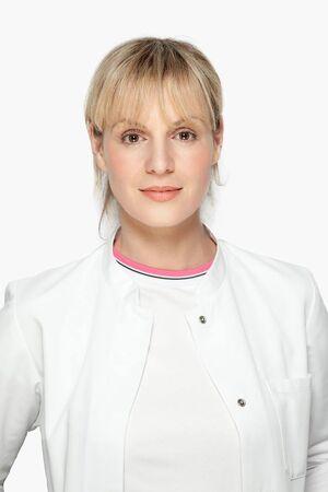 Portraitbild von Dr. Lea Peters