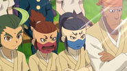Some Manyuuji players watching the selection match