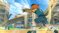 Endou saving Kidou's mighty shoot