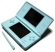 Nintendo DS Lite Ice Blue 01