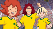 EP40 Orion - Miguel, Daninho y Samuel celebrando el primer gol de brasil