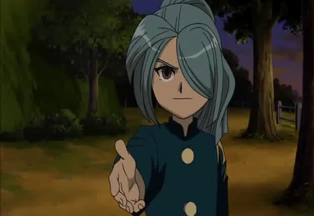 File:Kazemaru giving his hand to Endou.jpg