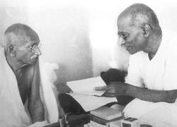 800px-Gandhi Rajagopalachari
