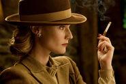 Diane Kruger cigarette close-up